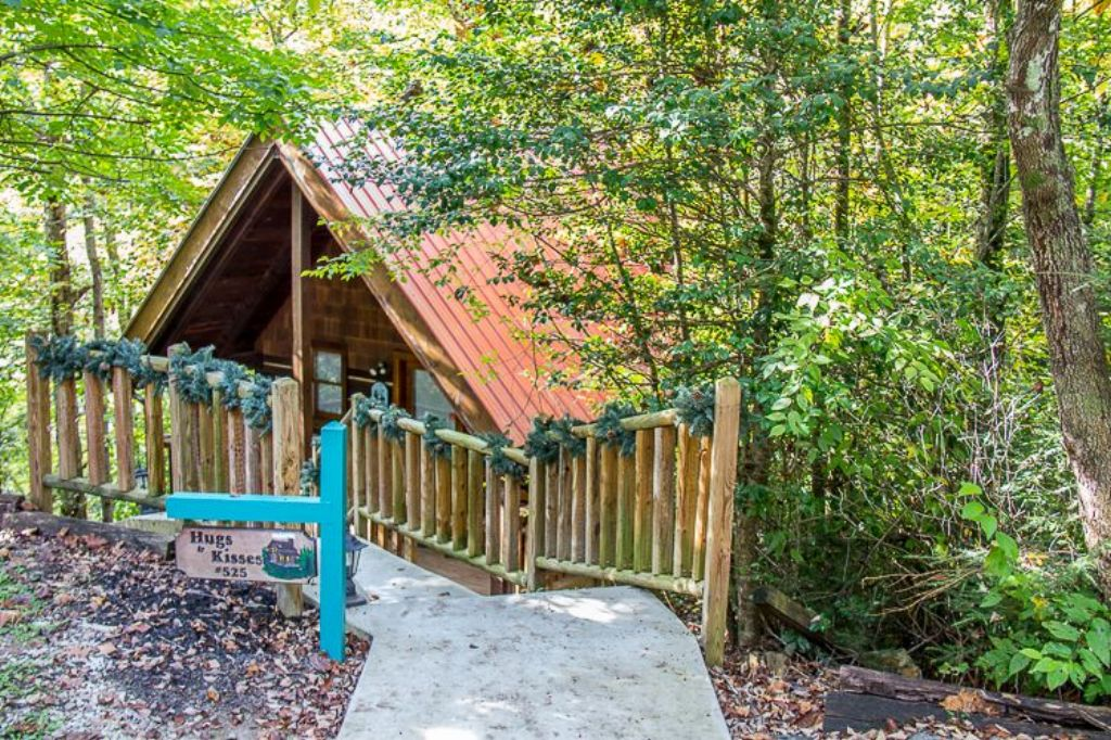 In the smokies find a gatlinburg cabin mountain shadows for Endless joy cabin gatlinburg